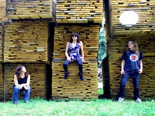 Moondrift Lady Lovely folk acoustic indie alternative